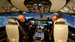 Szkolenie pilotów LOT-u na symulatorze Dreamlinera, lotnisko Gatwick
