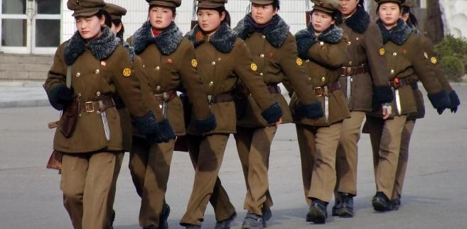Kobiety w wojsku Korei Północnej podczas parady wojskowej