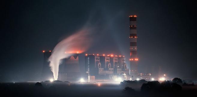 Elektrownia Opole nocą, autor: Piorog, Creative Commons Uznanie autorstwa – 3.0.