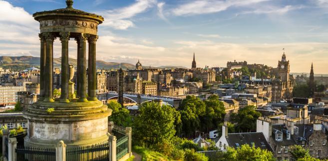 Panorama Edynburga w Szkocji.