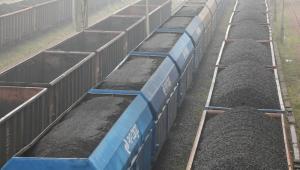 Lokomotywa PKP Cargo ET22, która jest używana do ciągnięcia wagonów z węglem