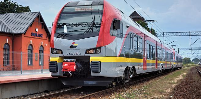 Pociąg ŁKA na stacji w Sieradzu