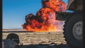 Neutralizacja środków bojowych znalezionych w trakcie patrolu. Polska misja w Afganistanie. Fot. st. chor. szt Adam Roik. Combat Camera DO RSZ