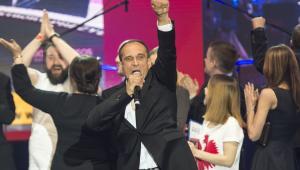 Paweł Kukiz po ogłoszeniu sondażowych wyników I tury wyborów prezydenckich podczas wieczoru wyborczego
