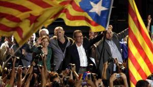 Lokalne wybory w Katalonii wygrała partia Junts per Si Fot. EPA/ALBERTO ESTEVEZ Dostawca: PAP/EPA.