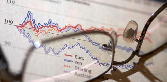 Można śledzić na bieżąco kursy wymiany walut, tylko po co?