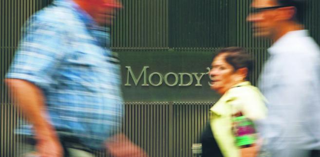 Na świecie działa 150 agencji ratingowych. Prym wiedzie wielka trójka: Standard & Poor's, Fitch i Moody's SCOTT EELLS/BLOOMBERG