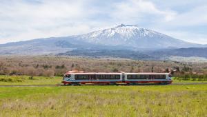 Vulcano to spalinowe składy pasażerskie Newagu przystosowane do jazdy z prędkością do 100 km/h