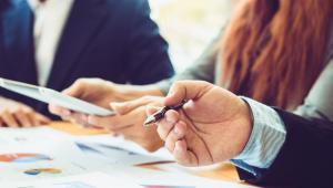 Omawiane dziś zmiany w planach kont w porównaniu do rozporządzenia z 2010 r. są efektem przede wszystkim konieczności pozyskania dodatkowych informacji dla sprawozdania finansowego oraz zmiany w sposobie pokazywania nadwyżki dochodów w jednostkach prowadzących działalność oświatową.