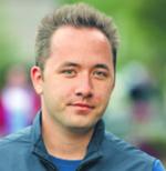 Drew Houston, stworzony przez niego Dropbox, oferujący usługi w chmurze (cloud computing), jest obecnie jedną z najgorętszych firm internetowych bloomberg