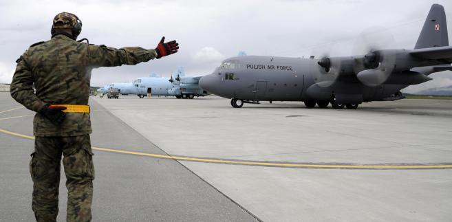 Polski Hercules podczas ćwiczeń Red Flag w 2012 roku w bazie Joint Base Elmendorf-Richardson (fot. US Army)