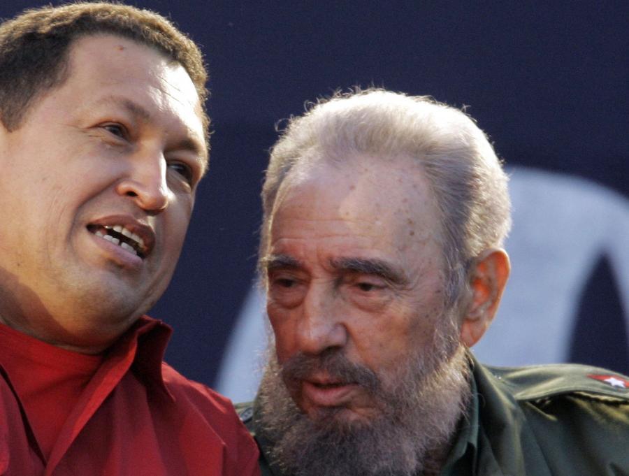 Fidel Castro przed przekazanie władzy swojemu bratu Raulowi w 2006 r. rozpoczął wolnorynkowe reformy.