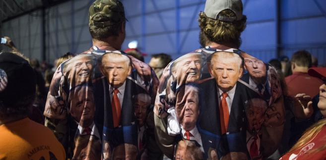 Zwolennicy Donalda Trumpa, Moon Township, stan Pensylwania, USA, 6.11.2016
