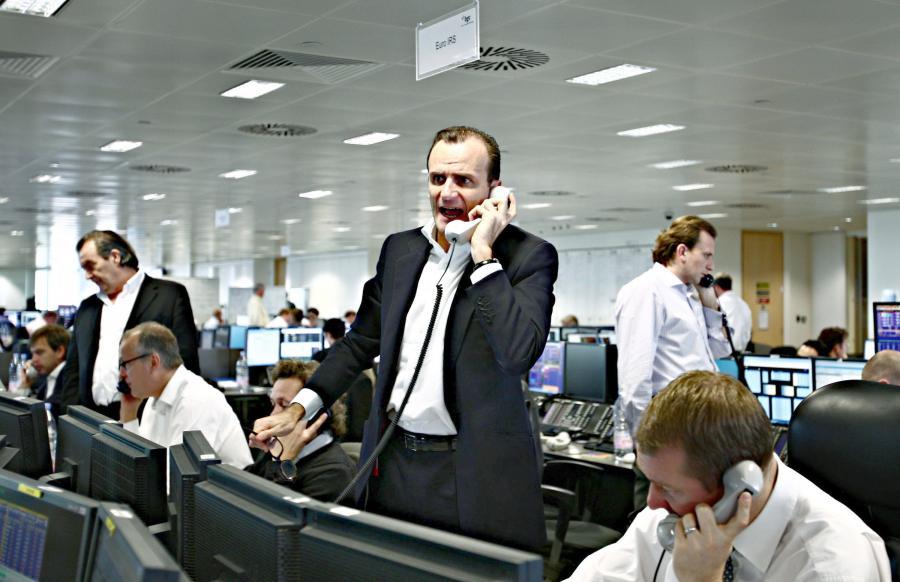 broker dzwoni do klienta