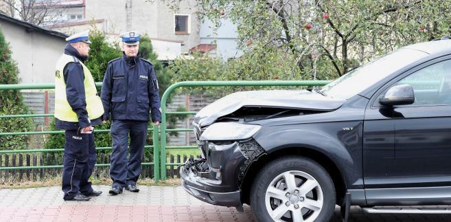 rozbita rządowa limuzyna