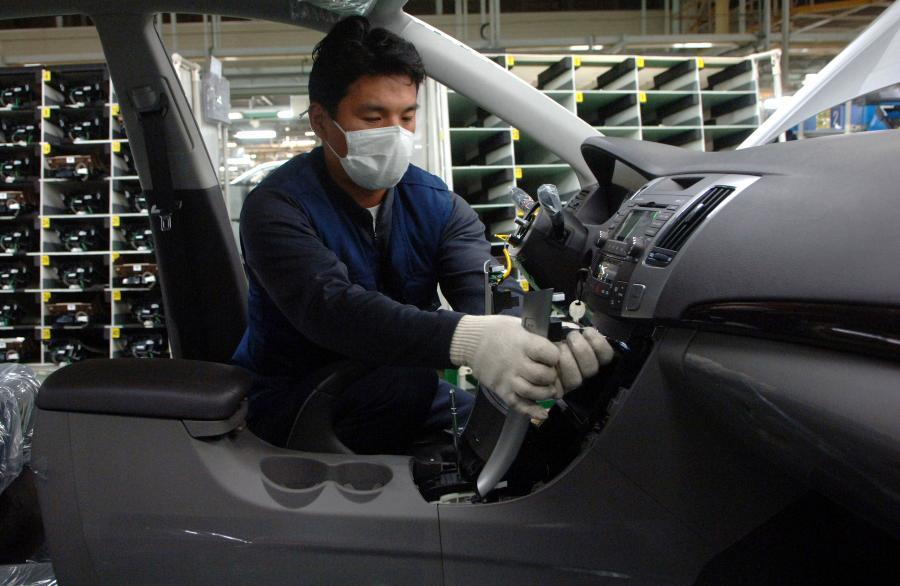 Chińczycy już nie tylko montują samochody, ale także je kupują