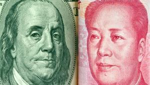 Amerykański dolar i chiński juan, fot. Lisa S.