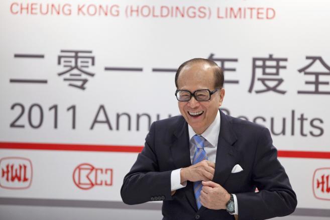 Nr 1.Li Ka-shing: finansista, inwestor, 83 lata, szef Hutchison Whampoa Ltd. i Cheung Kong (Holdings) Ltd., majątek 22 mld dol.