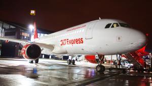 Samolot w barwach linii OLT Express. Fot. materiały przewoźnika